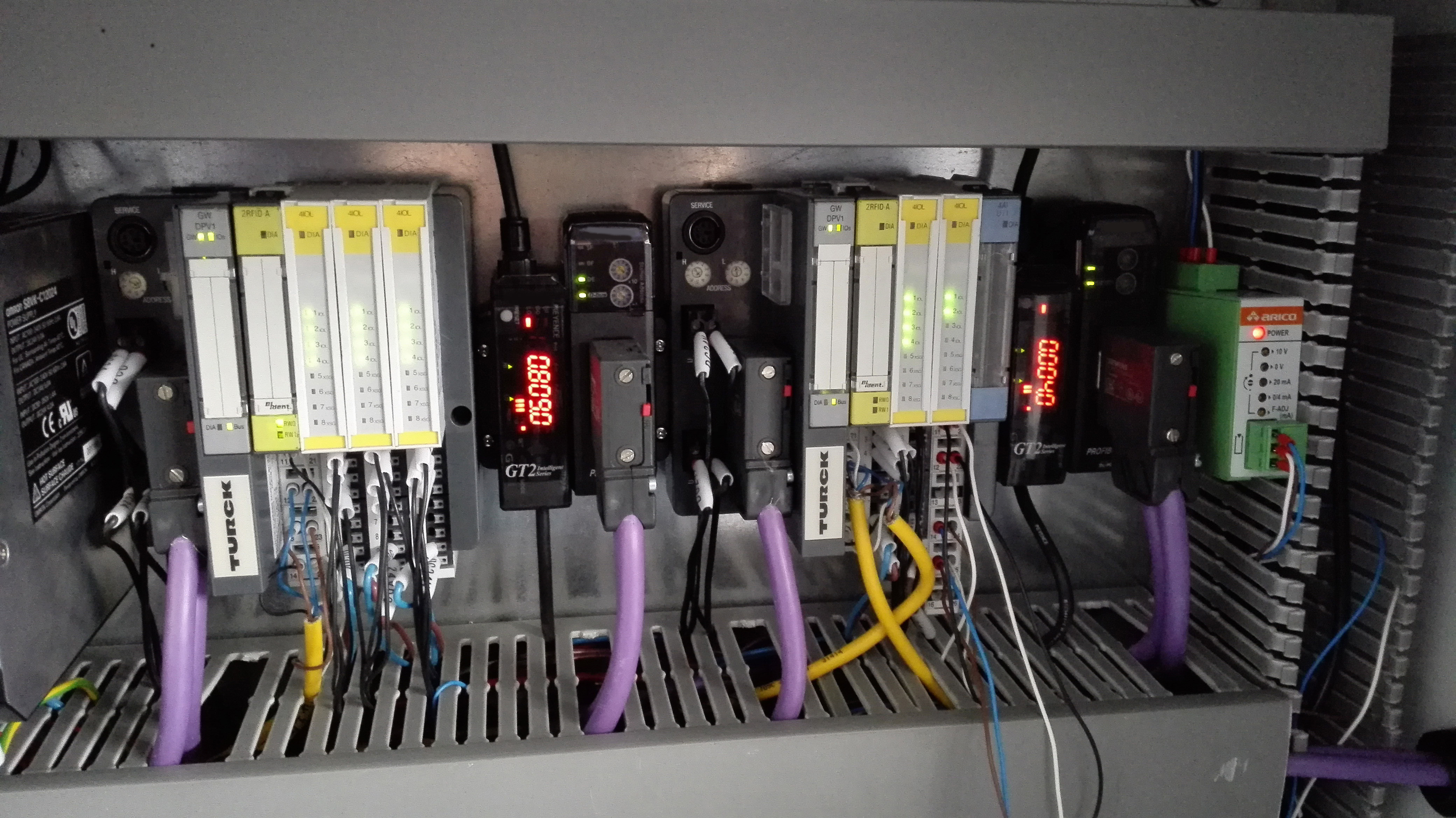 Io Link Eases Differential Gear Production Turck Your Global Split Ether Cable Together With Patch Panel Wiring Also Manual Sobre Besides Hundreds Of Switching Signals Two Bl20 Bring Rfid And Analog To The Plc